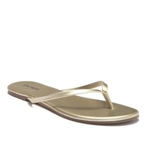 Steve Madden || Gold Thong-Toe Flip Flop Sandals